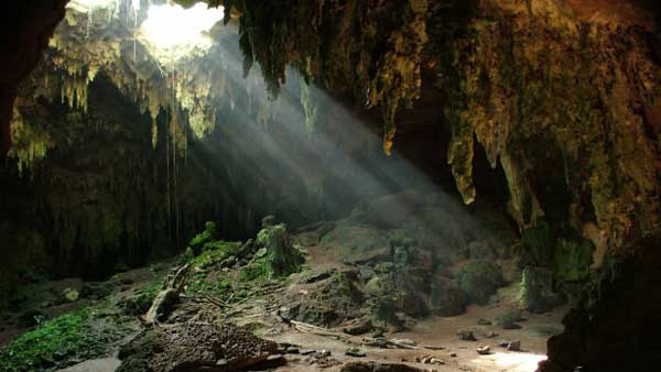 Light-in-cave---inner-guidance